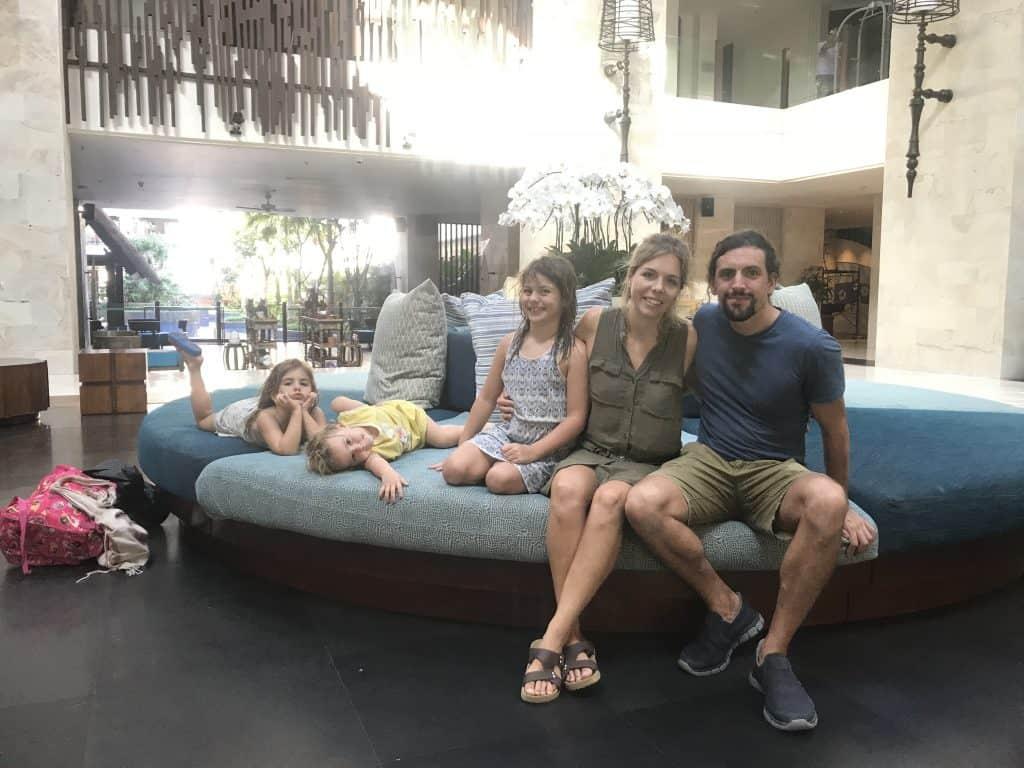 holiday inn benoa bali lobby