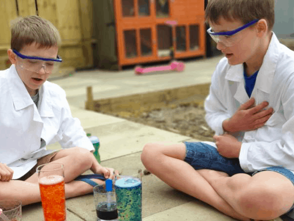 homeschool children science class
